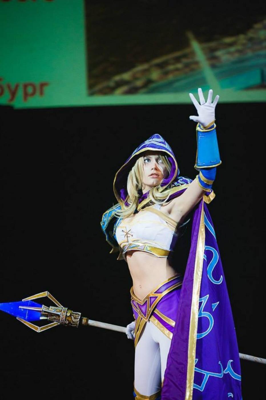 Warcraft-III-Jaina-Proudmoore-Narga-Cosplay-Gamers-Heroes-10.jpg
