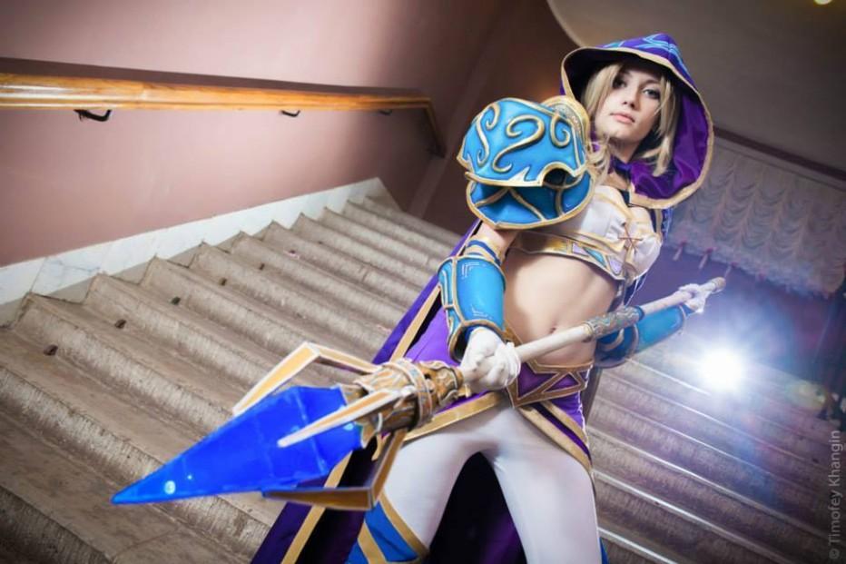 Warcraft-III-Jaina-Proudmoore-Narga-Cosplay-Gamers-Heroes-9.jpg