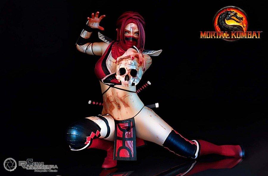 Mortal Kombat Skarlet Cosplay - Gamers Heroes