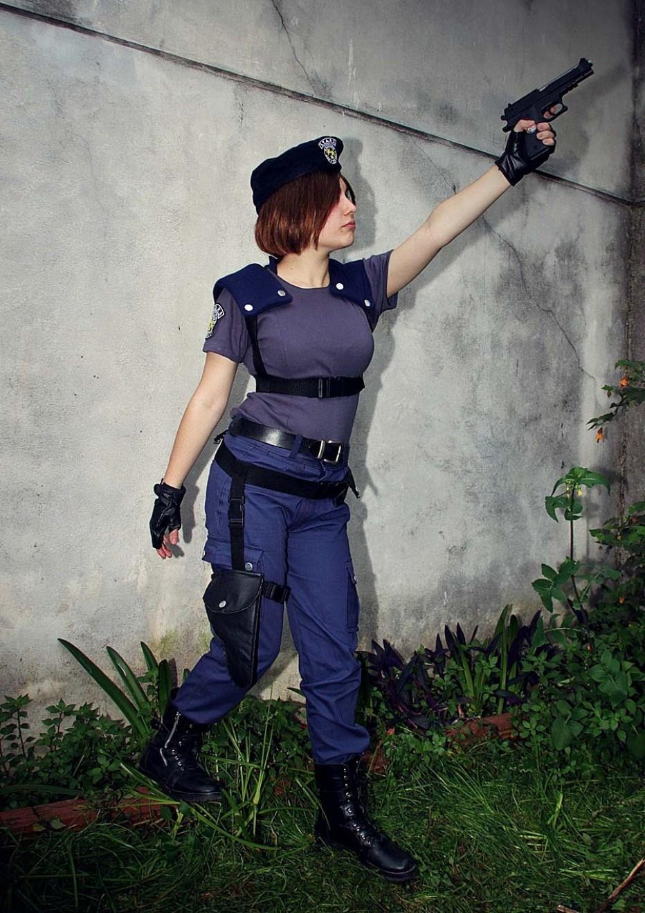 Resident-Evils-Jill-Valentine-Cosplay-Gamers-Heroes-1.jpg