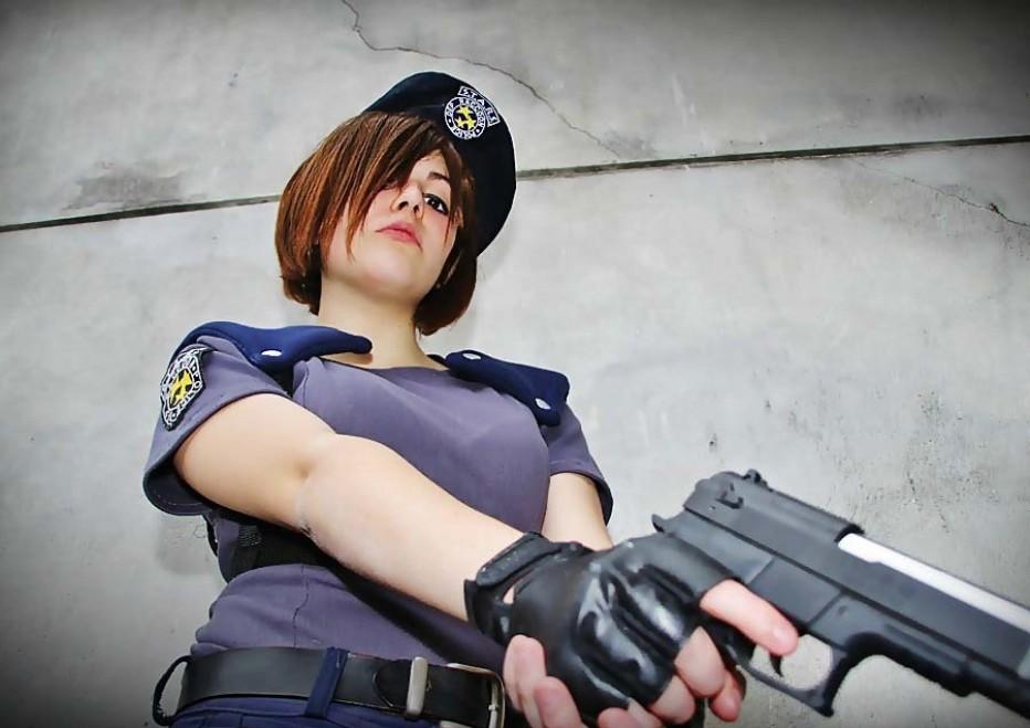 Resident-Evils-Jill-Valentine-Cosplay-Gamers-Heroes-10.jpg