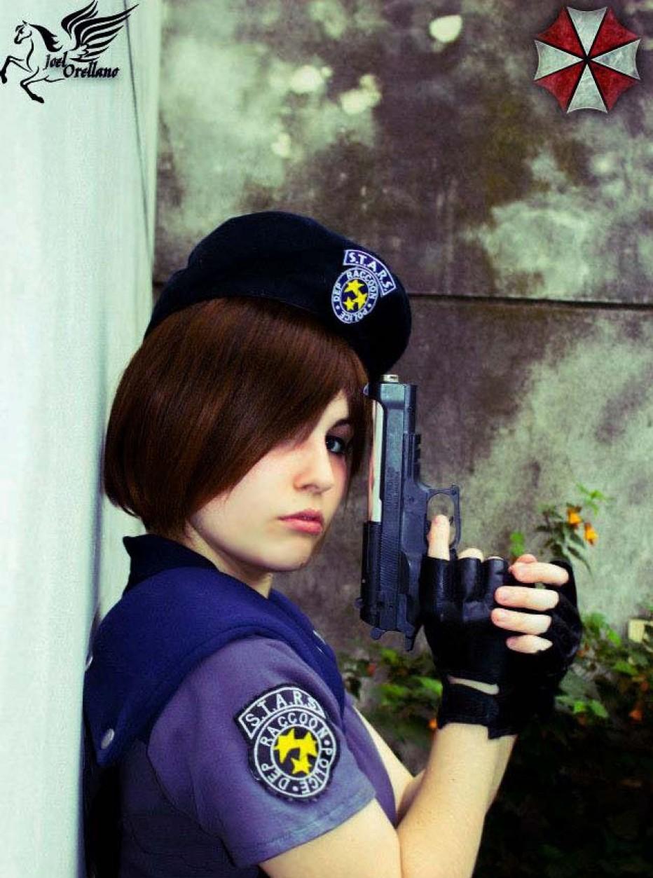 Resident-Evils-Jill-Valentine-Cosplay-Gamers-Heroes-13.jpg