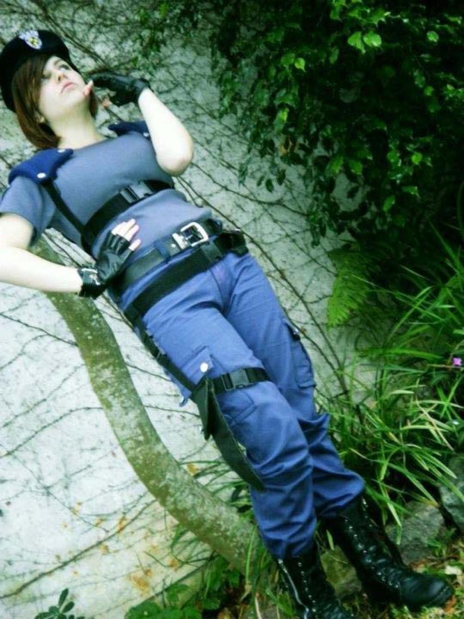 Resident-Evils-Jill-Valentine-Cosplay-Gamers-Heroes-14.jpg
