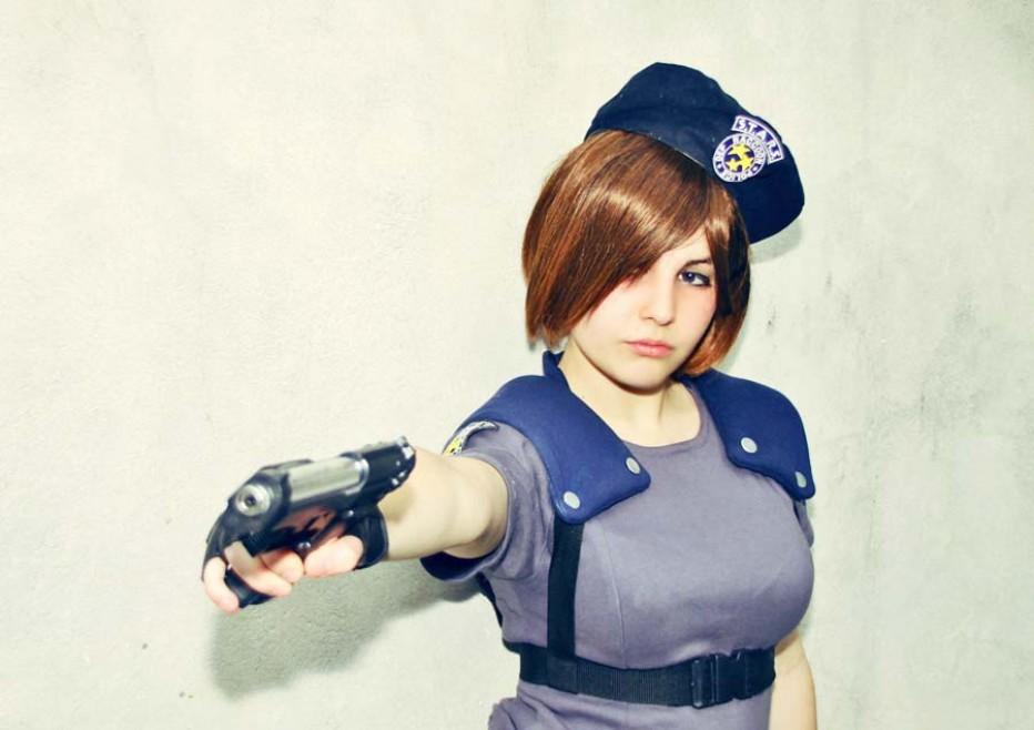Resident-Evils-Jill-Valentine-Cosplay-Gamers-Heroes-3.jpg