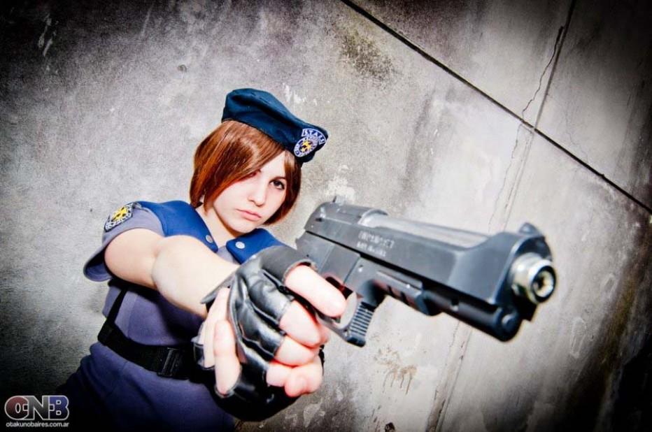 Resident-Evils-Jill-Valentine-Cosplay-Gamers-Heroes-4.jpg
