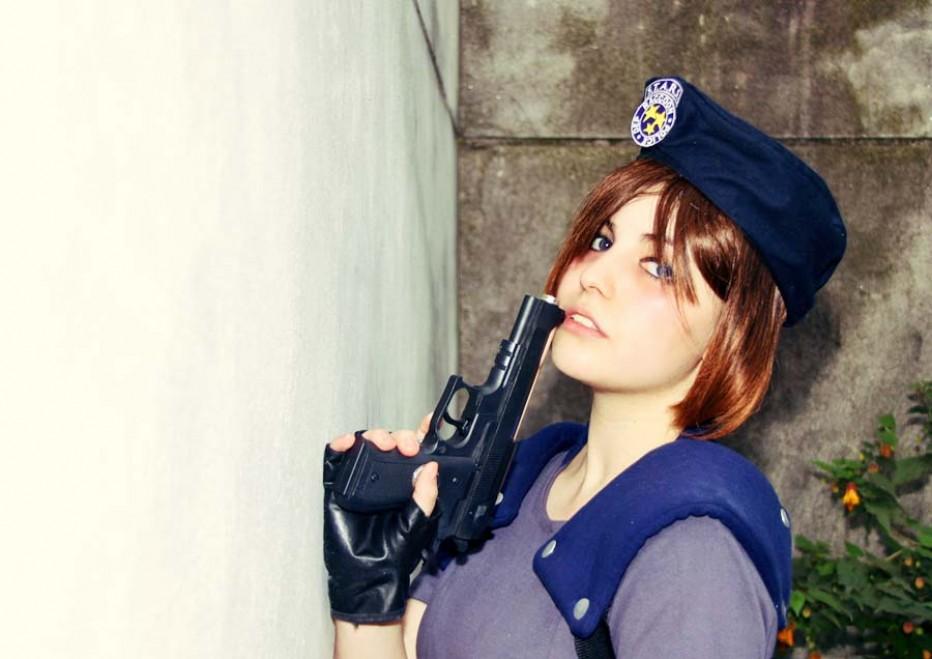 Resident-Evils-Jill-Valentine-Cosplay-Gamers-Heroes-5.jpg