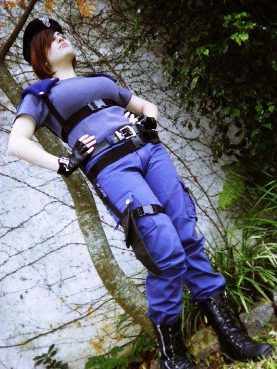 Resident-Evils-Jill-Valentine-Cosplay-Gamers-Heroes-9.jpg
