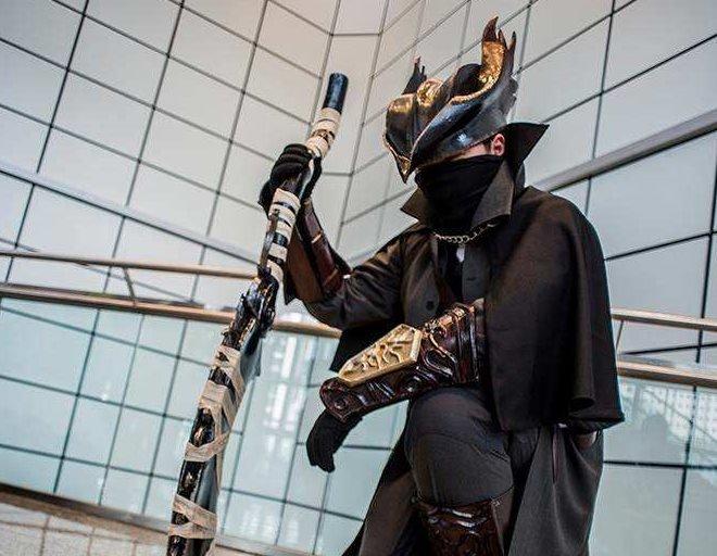 Bloodborne Hunter Cosplay (2)