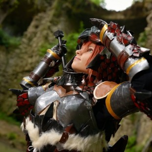 Cosplay Wednesday – Monster Hunter's Rathalos Armor