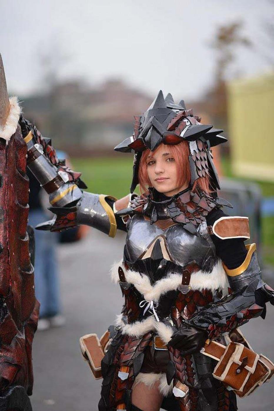 rathalos_monster_hunter_cosplay_by_kickacosplay-d5lqb4p.jpg