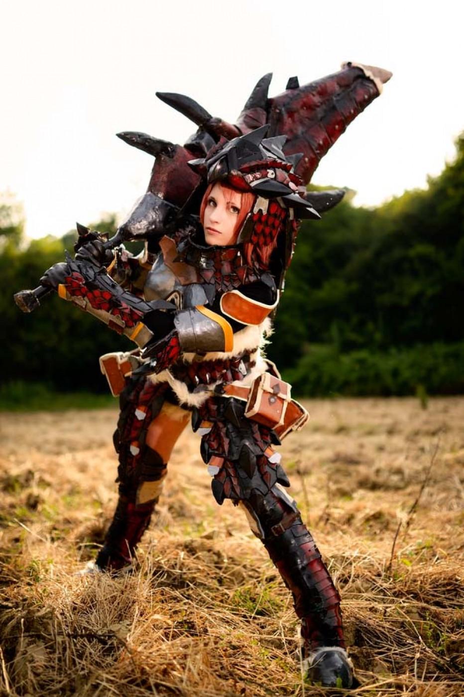 rathalos_monster_hunter_cosplay_by_kickacosplay-d7niorh.jpg
