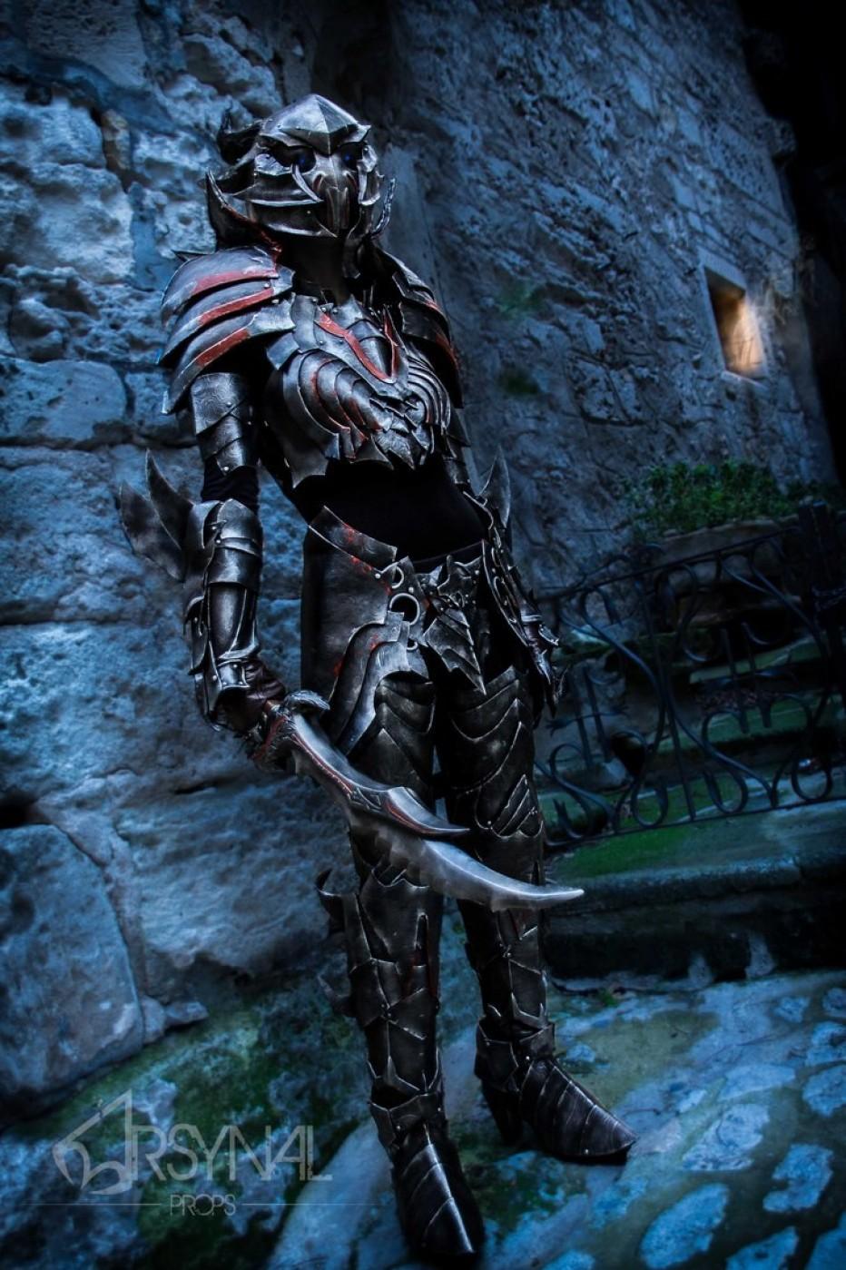 The-Elder-Scrolls-Online-Daedric-Armor-Cosplay-Gamers-Heroes-2.jpg