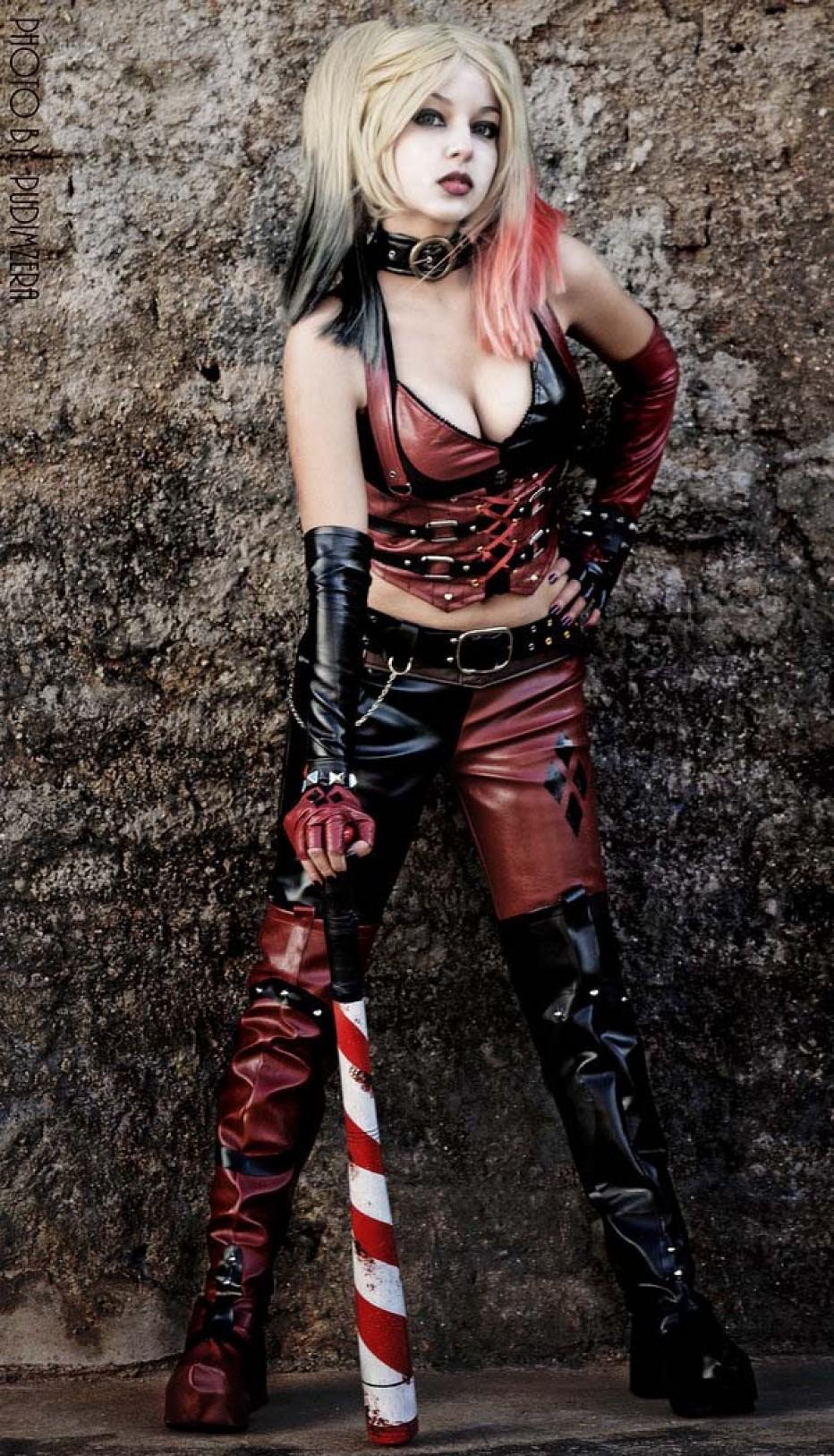 Harley-Quinn-Cosplay-Gamers-Heroes-2.jpg