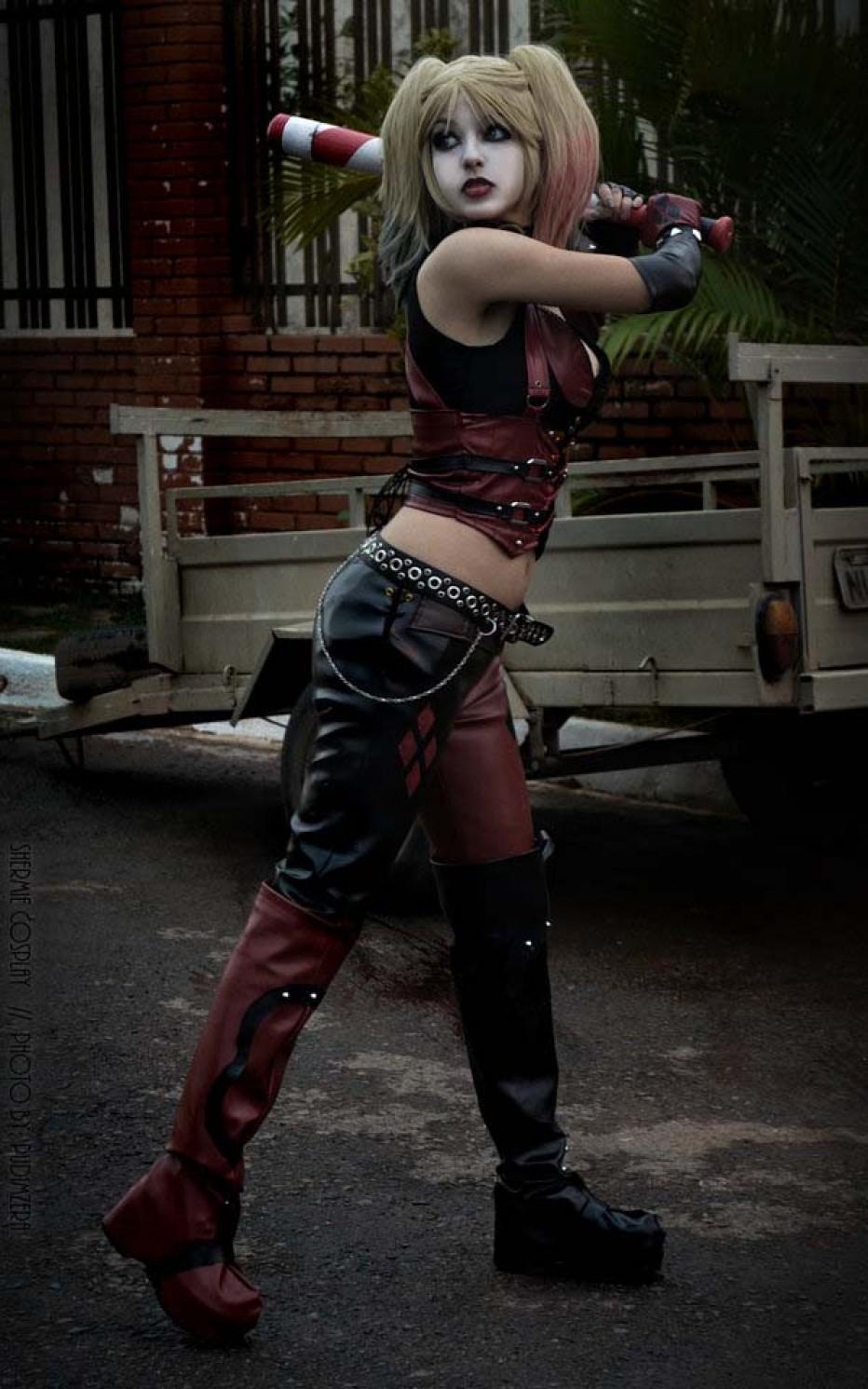Harley-Quinn-Cosplay-Gamers-Heroes-23.jpg