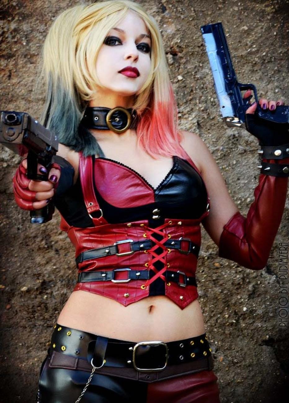 Harley-Quinn-Cosplay-Gamers-Heroes-35.jpg