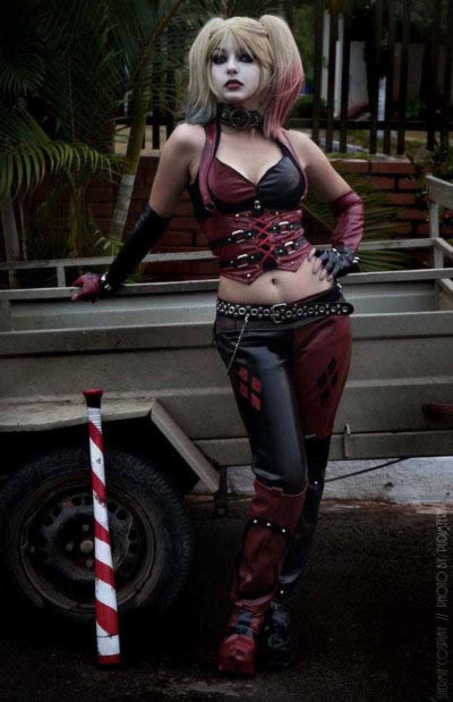 Harley-Quinn-Cosplay-Gamers-Heroes-38.jpg