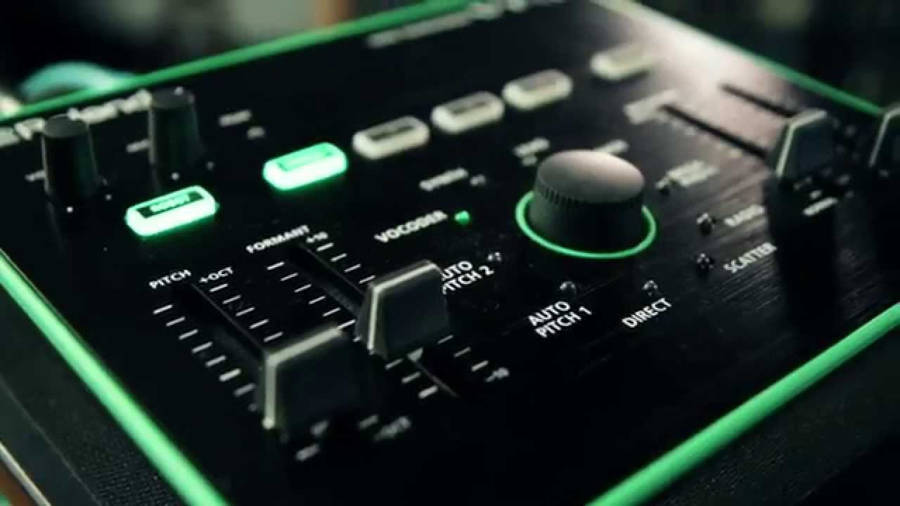 Roland VT-3 Voice Changer Review Twitch Tech