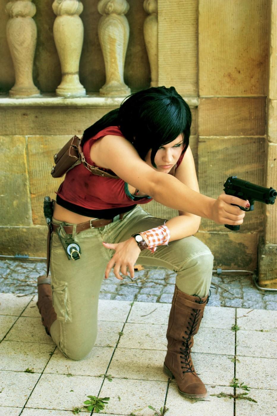 Uncharted-Chloe-Cosplay-Gamers-Heroes-1.jpg