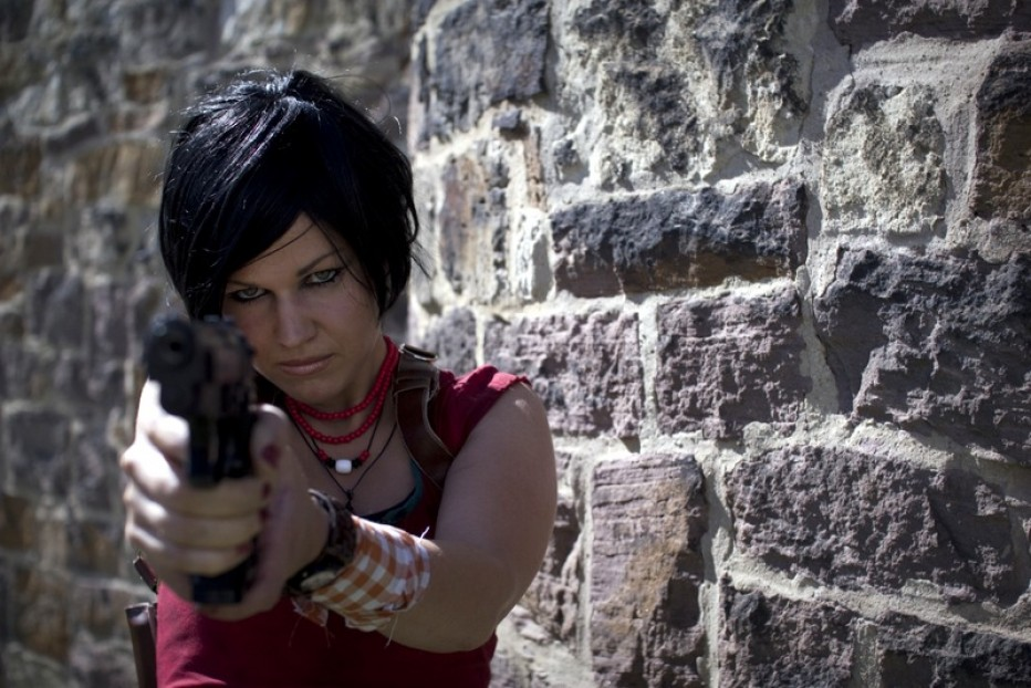 Uncharted-Chloe-Cosplay-Gamers-Heroes.jpg