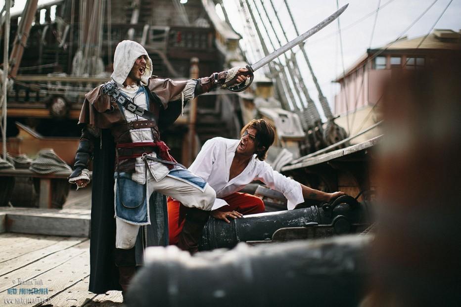 Assassins-Creed-IV-Cosplay-Gamers-Heroes-1.jpg