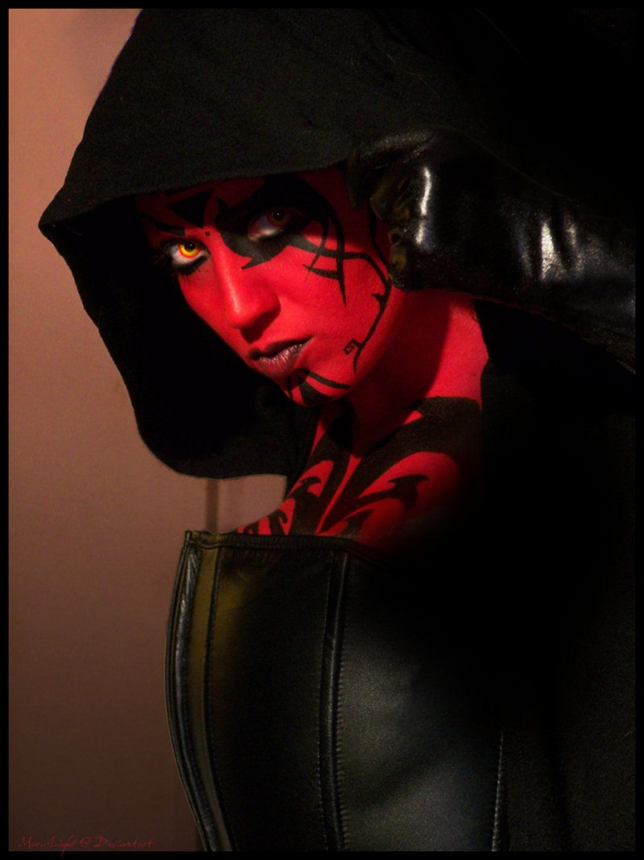 Darth-Talon-Cosplay-Gamers-Heroes-4.jpg