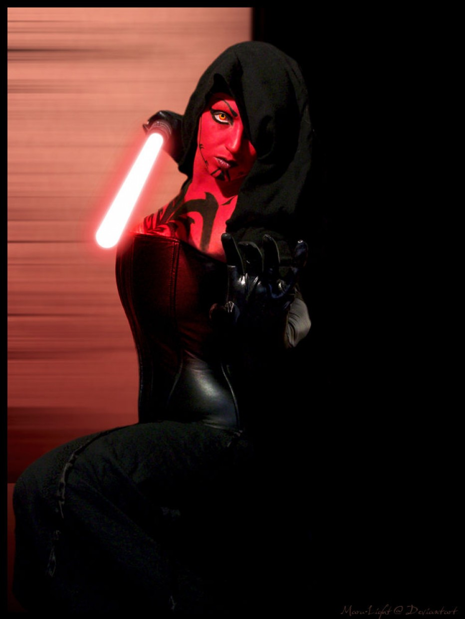 Darth-Talon-Cosplay-Gamers-Heroes-5.jpg