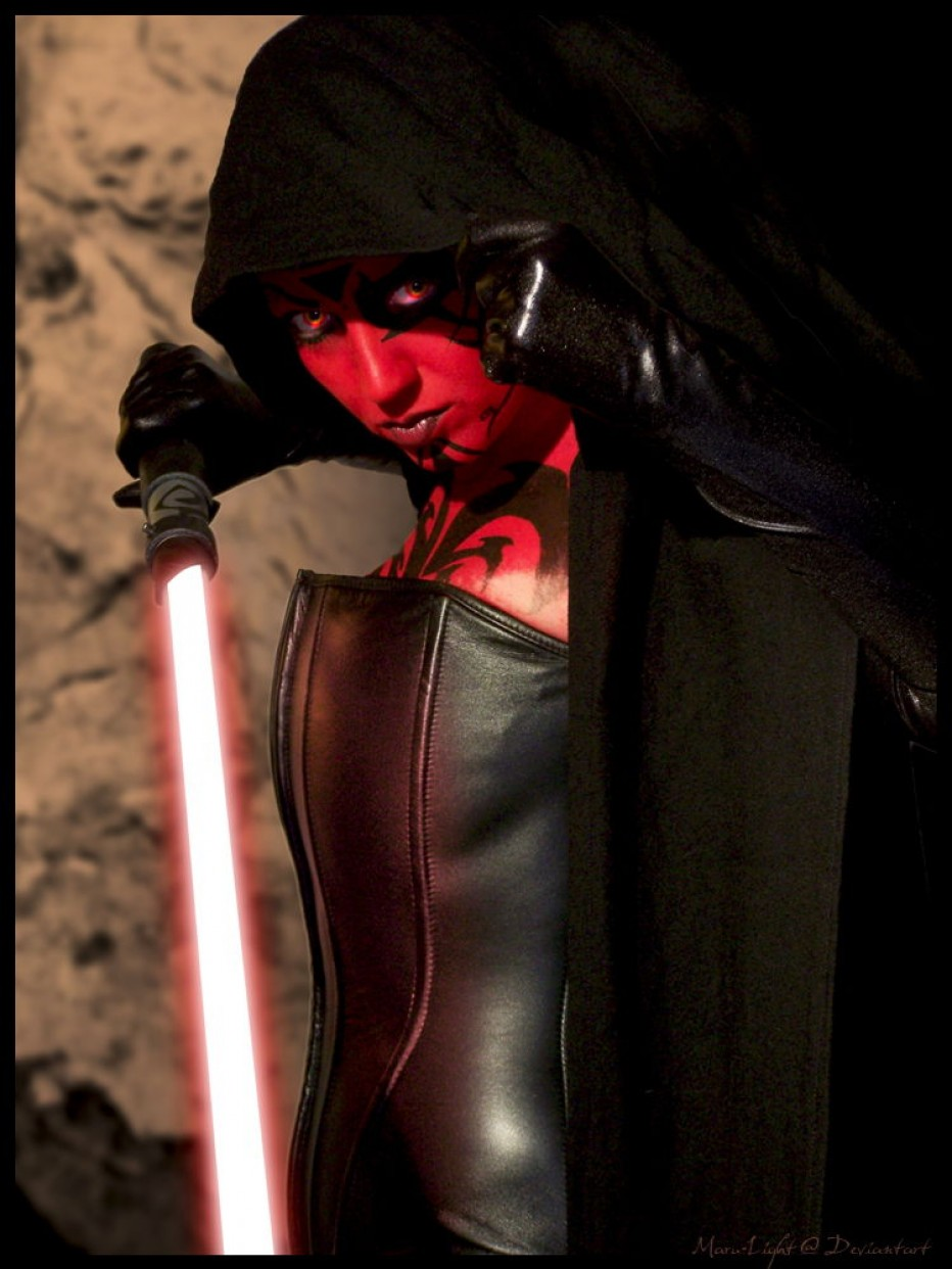 Darth-Talon-Cosplay-Gamers-Heroes-6.jpg