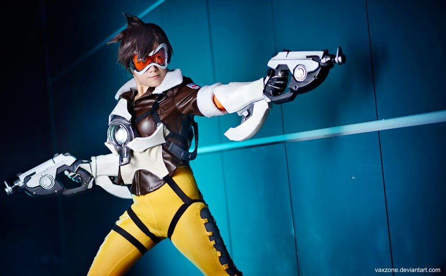 Tracer Cosplay - Gamers Heroes