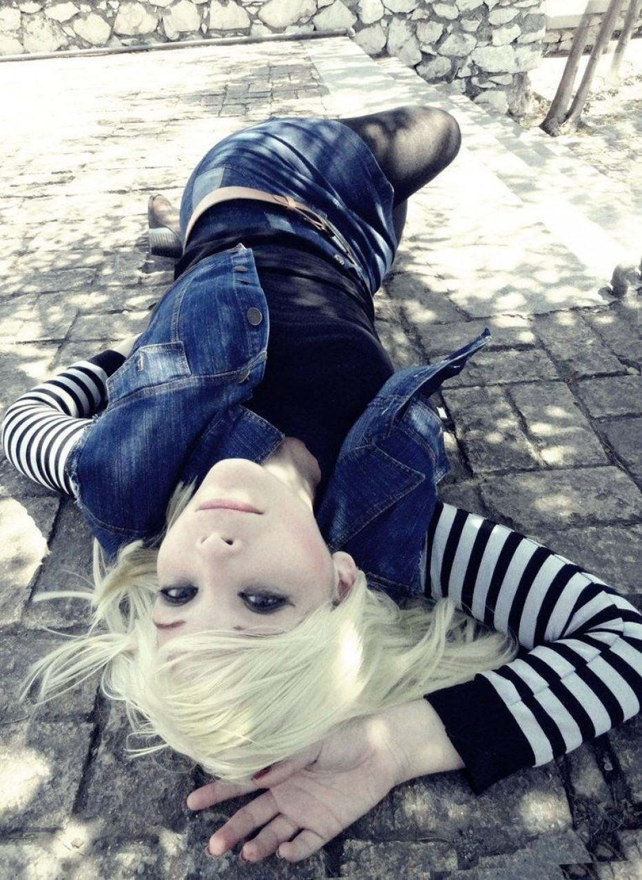 Dragon-Ball-Z-Android-18-Cosplay-1.jpg