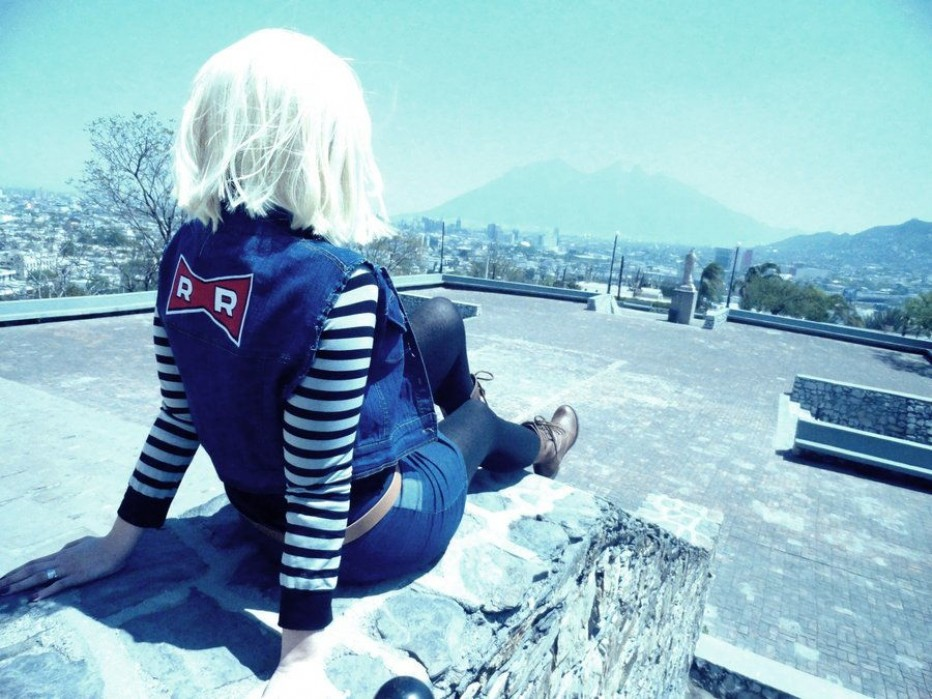 Dragon-Ball-Z-Android-18-Cosplay-3.jpg