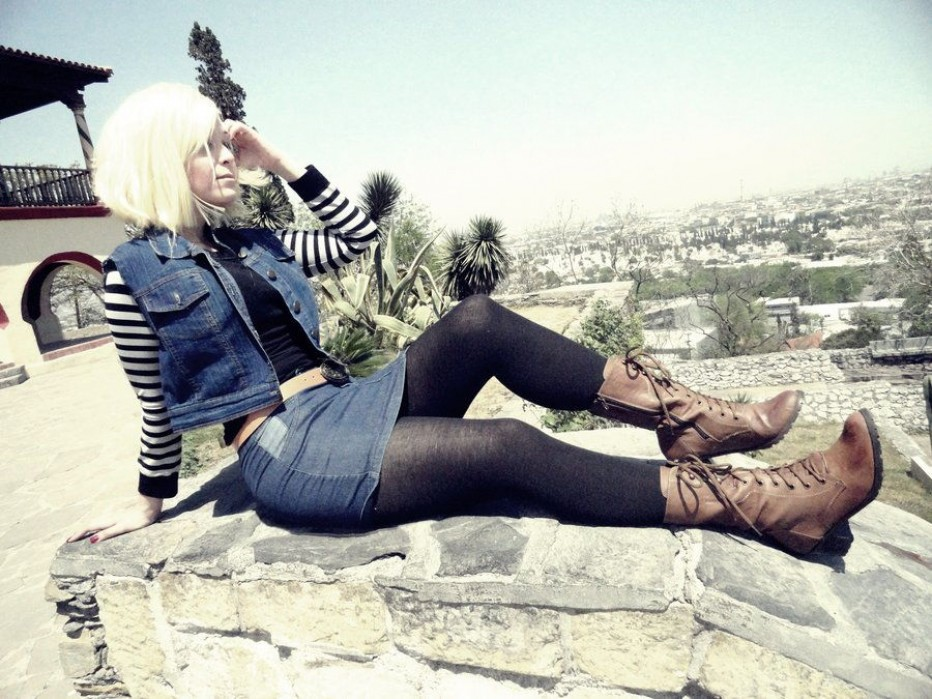 Dragon-Ball-Z-Android-18-Cosplay-4.jpg