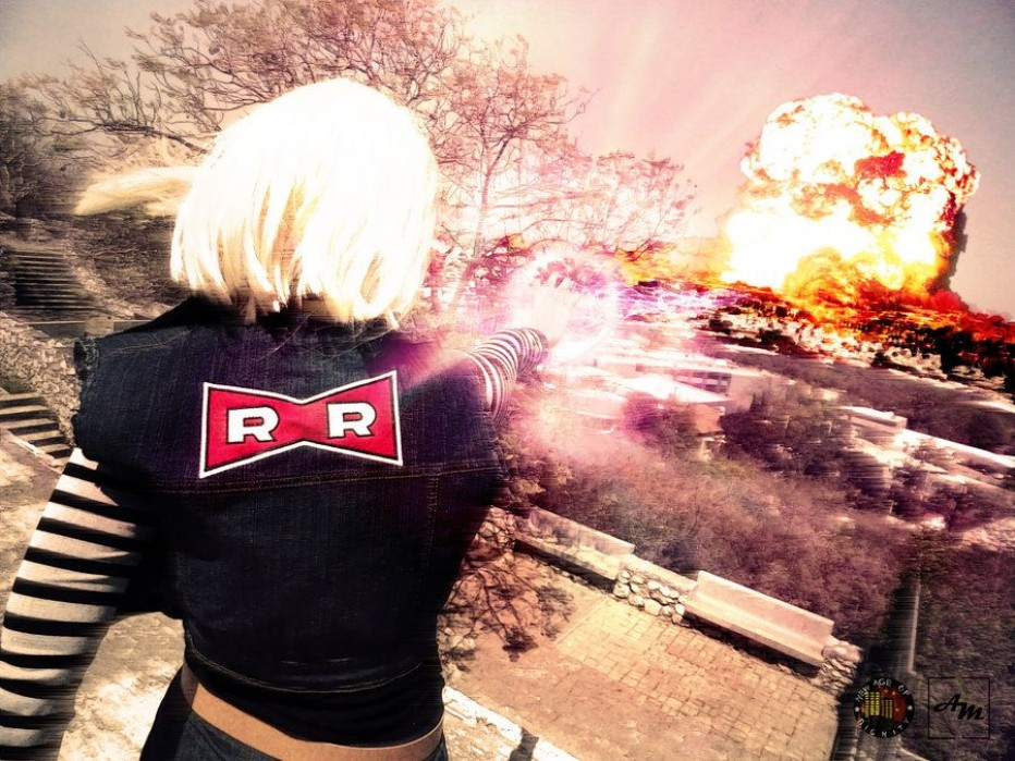 Dragon-Ball-Z-Android-18-Cosplay-8.jpg