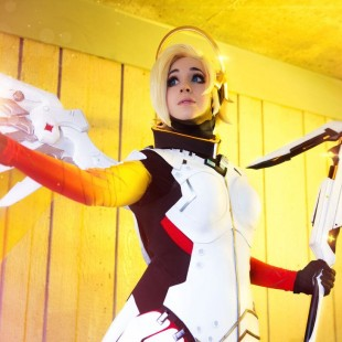Cosplay Wednesday – Overwatch's Mercy