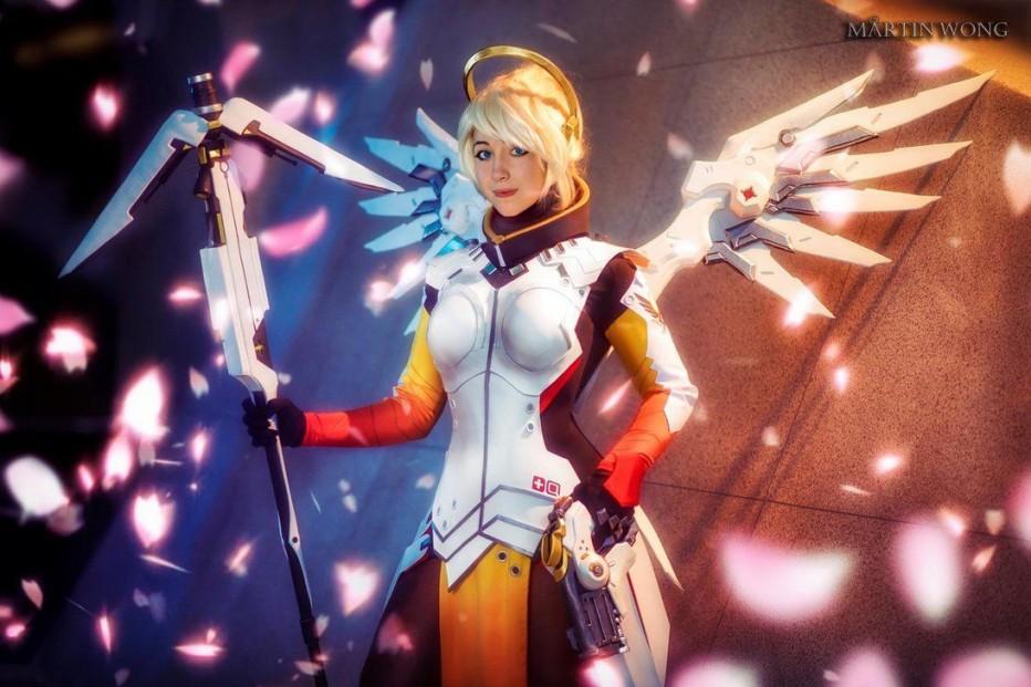 Overwatch-Mercy-Cosplay-Gamers-Heroes-3.jpg