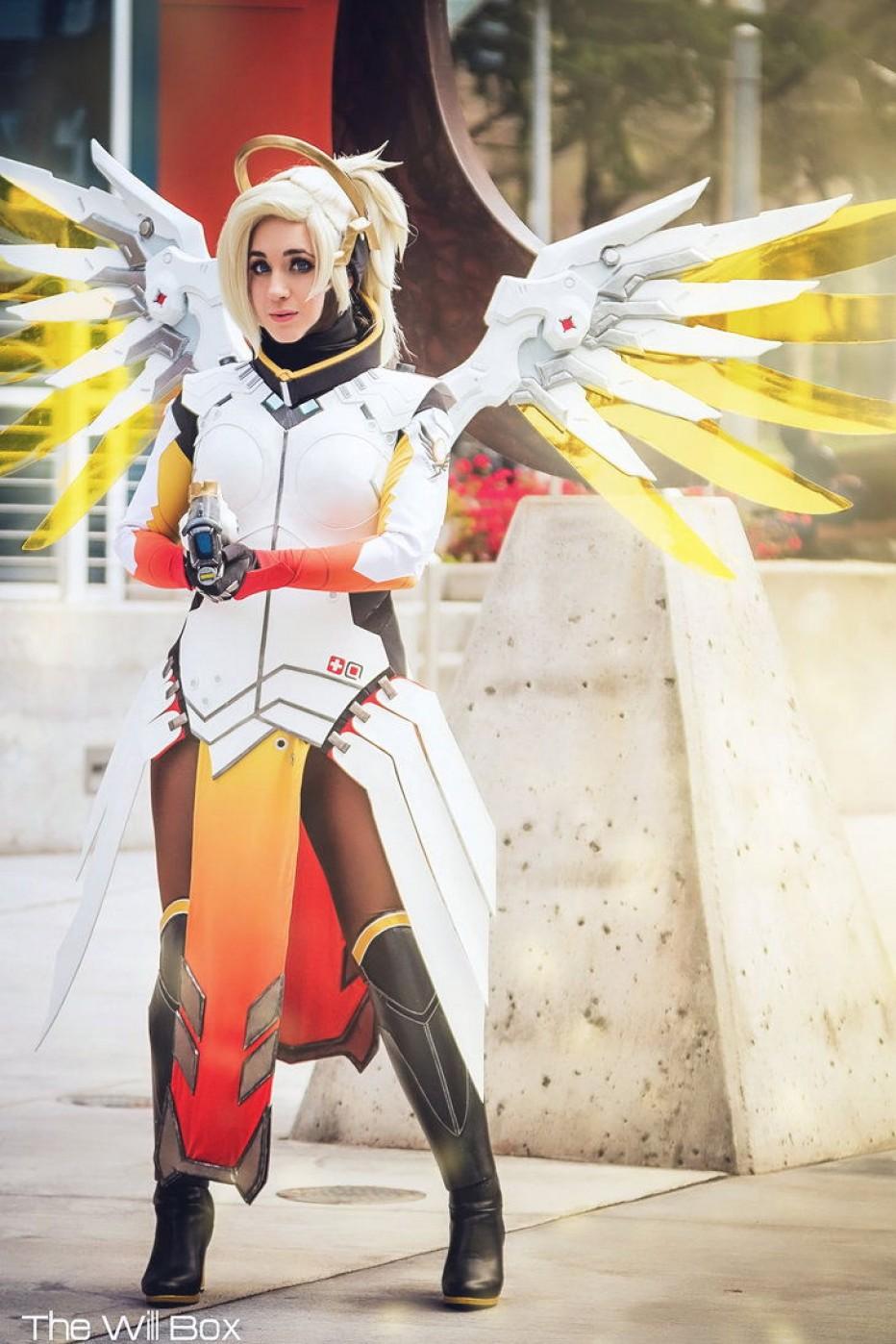 Overwatch-Mercy-Cosplay-Gamers-Heroes-4.jpg