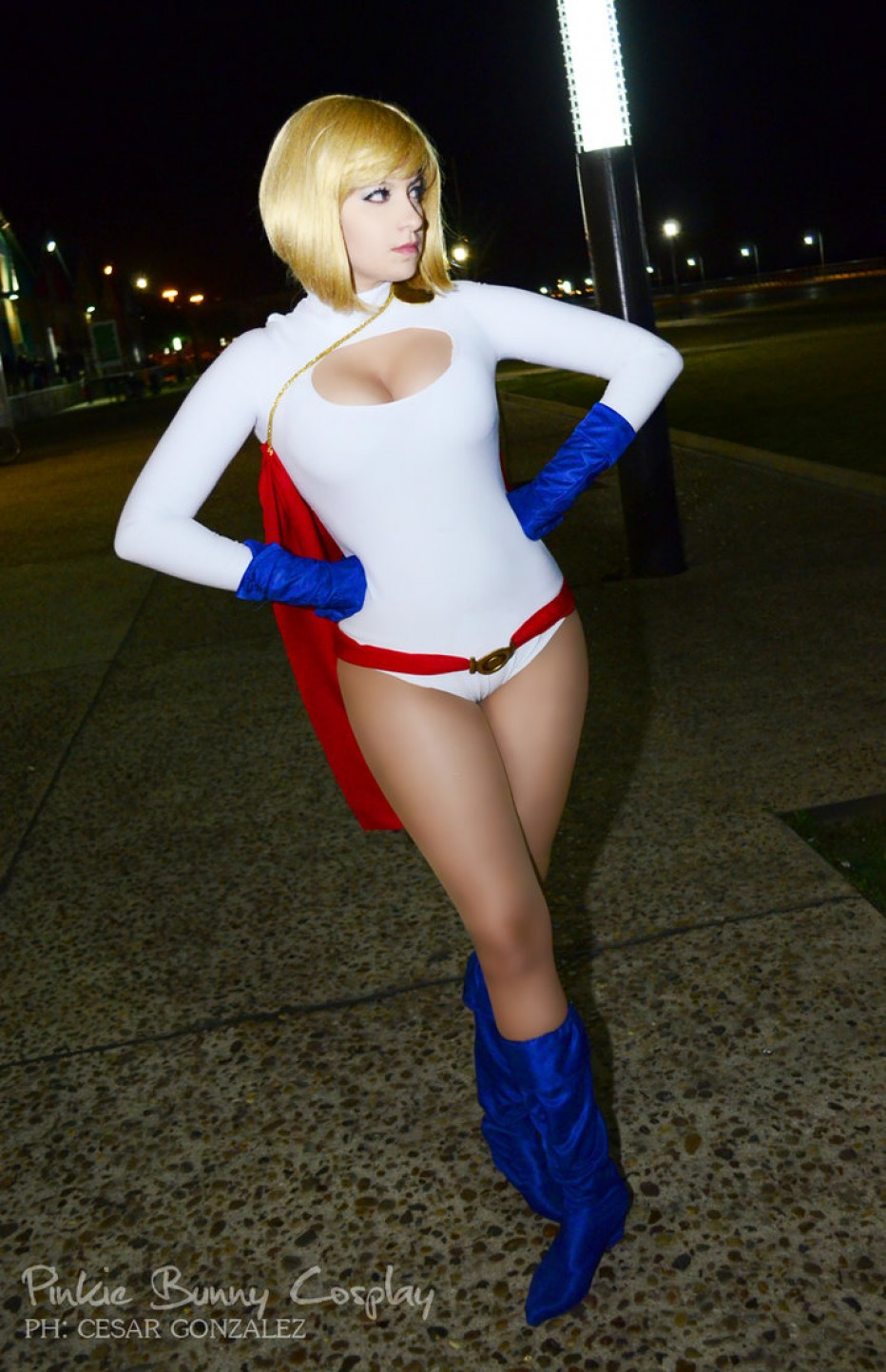 Power-Girl-Cosplay-Gamers-Heroes-1.jpg