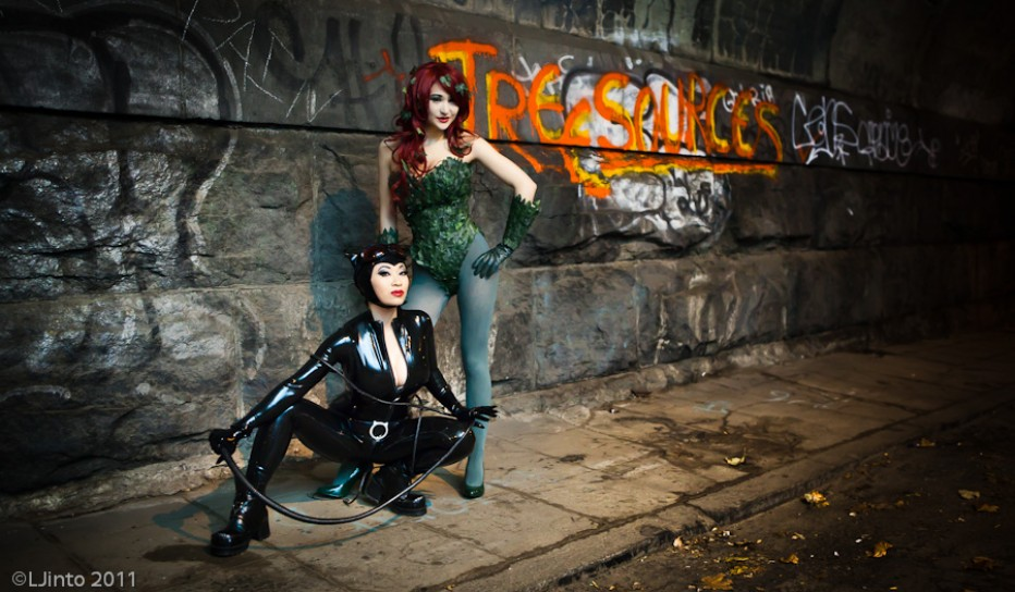 Batman-Poison-Ivy-Cosplay-Gamers-Heroes-3.jpg
