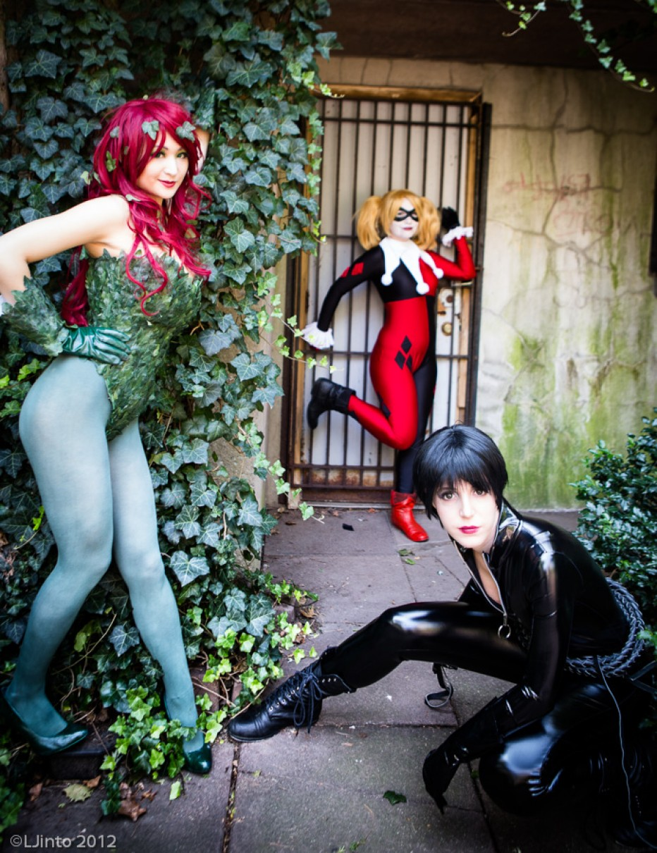 Batman-Poison-Ivy-Cosplay-Gamers-Heroes-4.jpg
