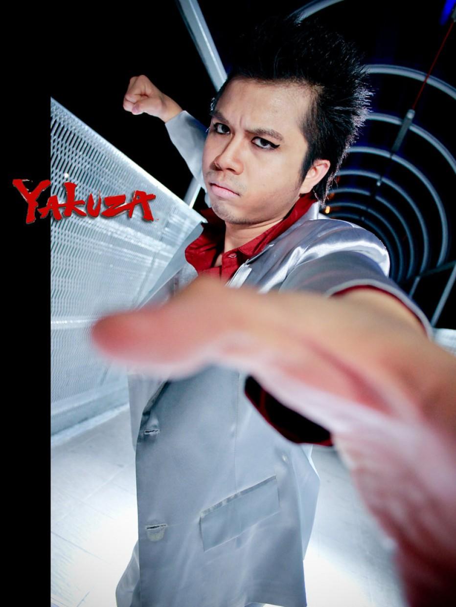 Yakuza-Cosplay-Gamers-Heroes-1.jpg