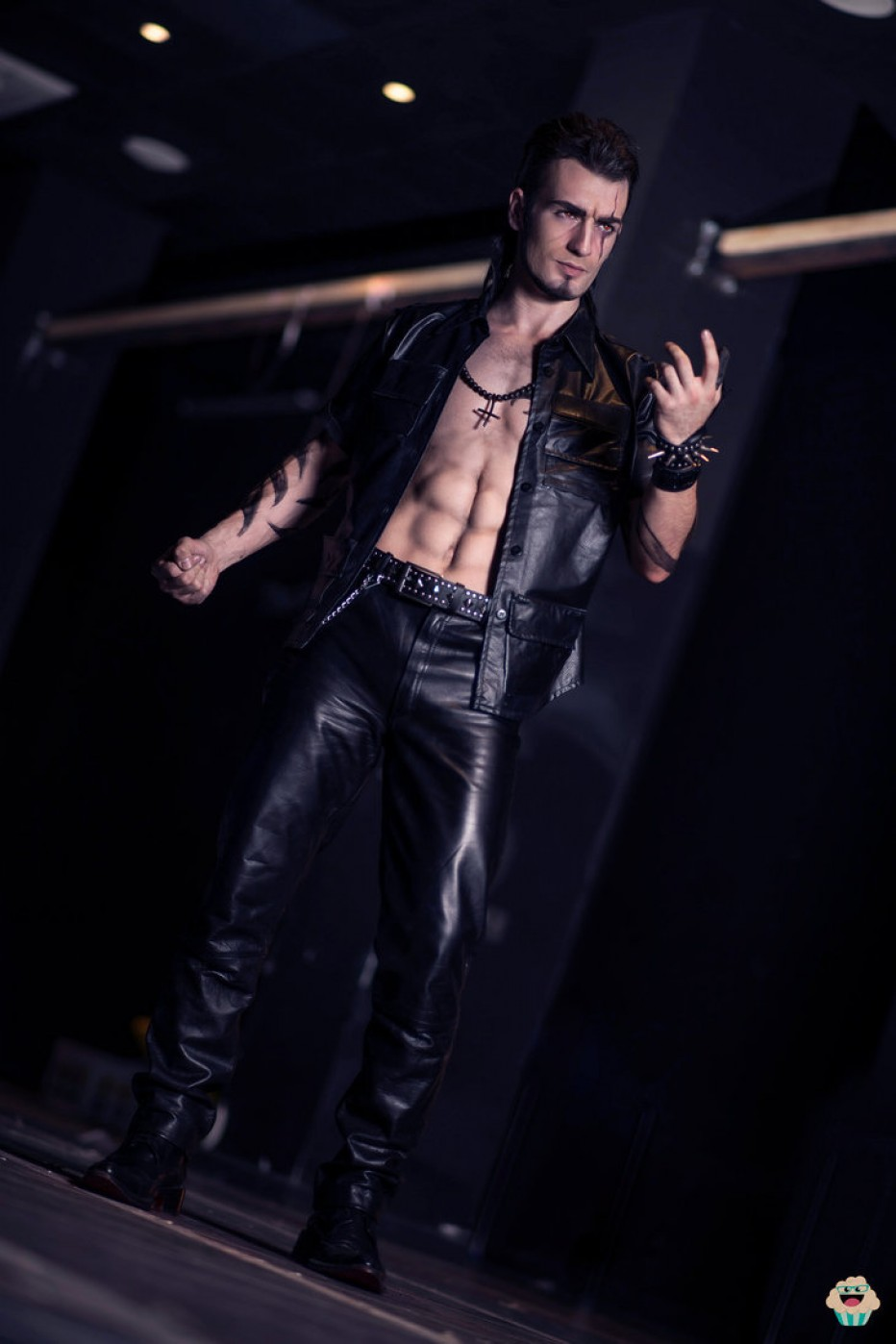 Gladiolus-Amicitia-Final-Fantasy-XV-Cosplay-Gamers-Heroes-4.jpg