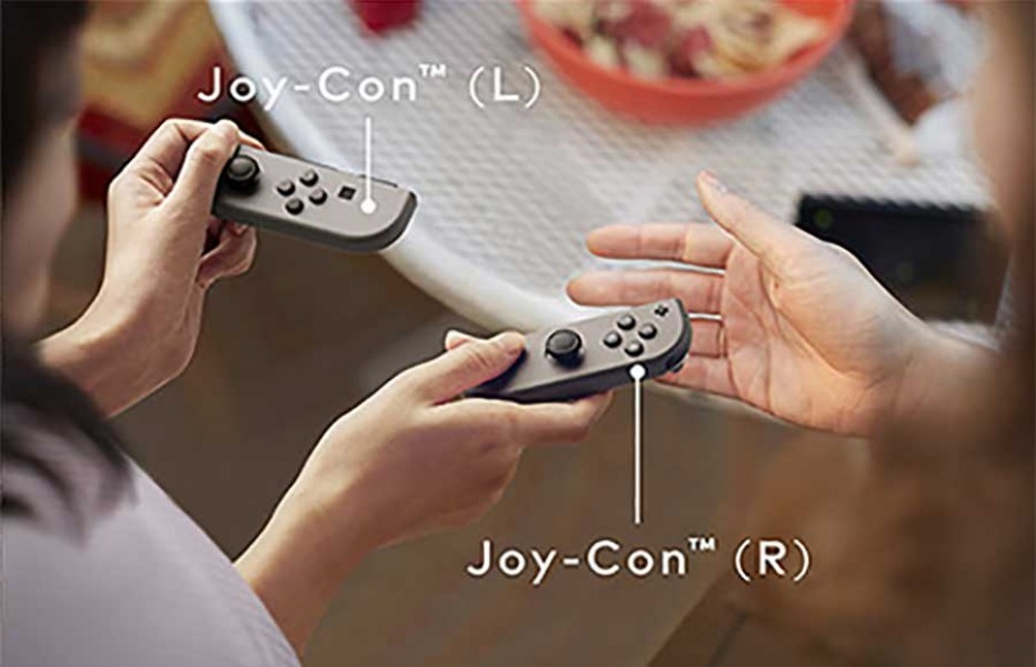 Switch-dock-controllers.jpg