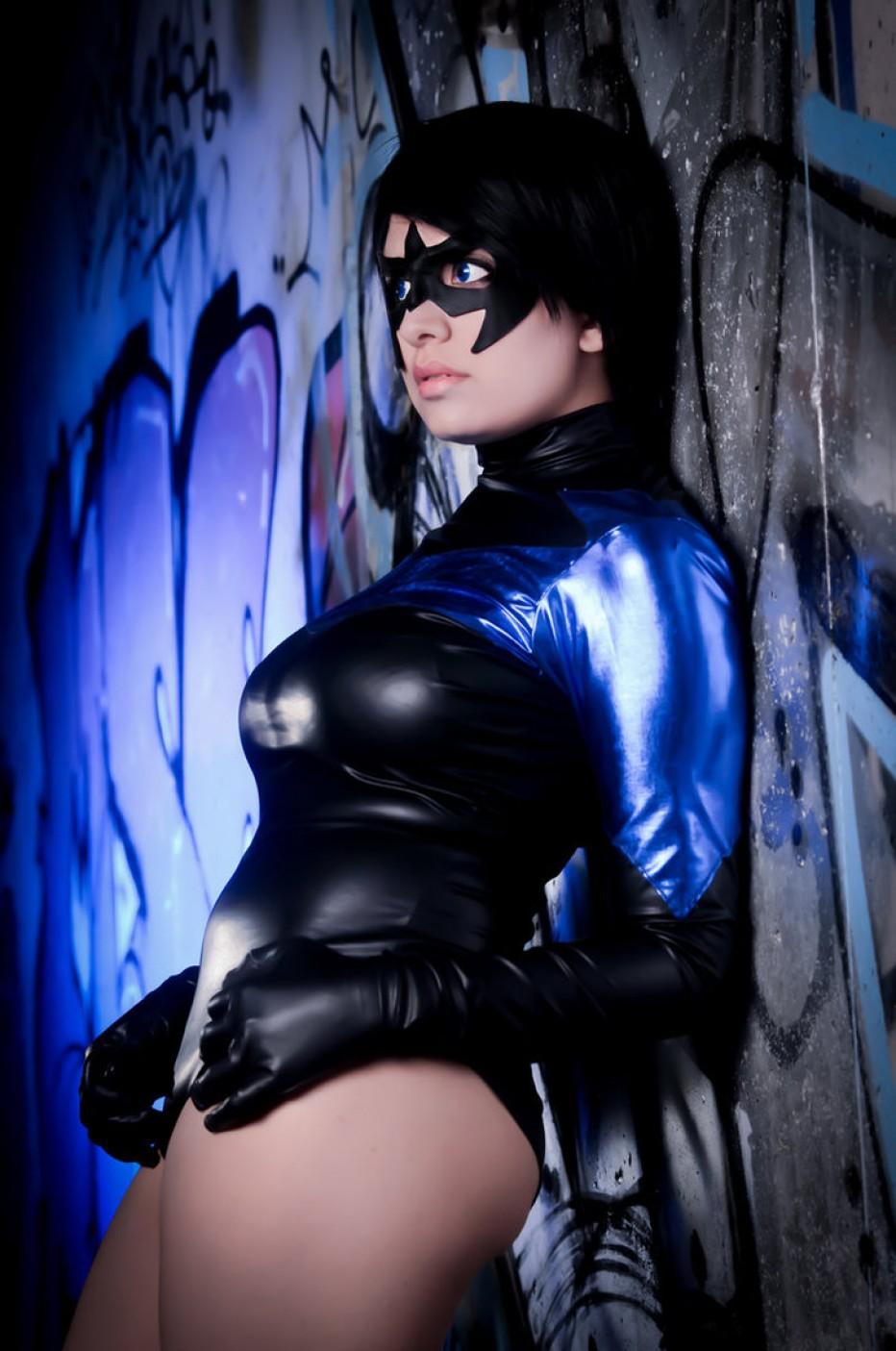 Nightwing-Cosplay-Gamers-Heroes-1.jpg