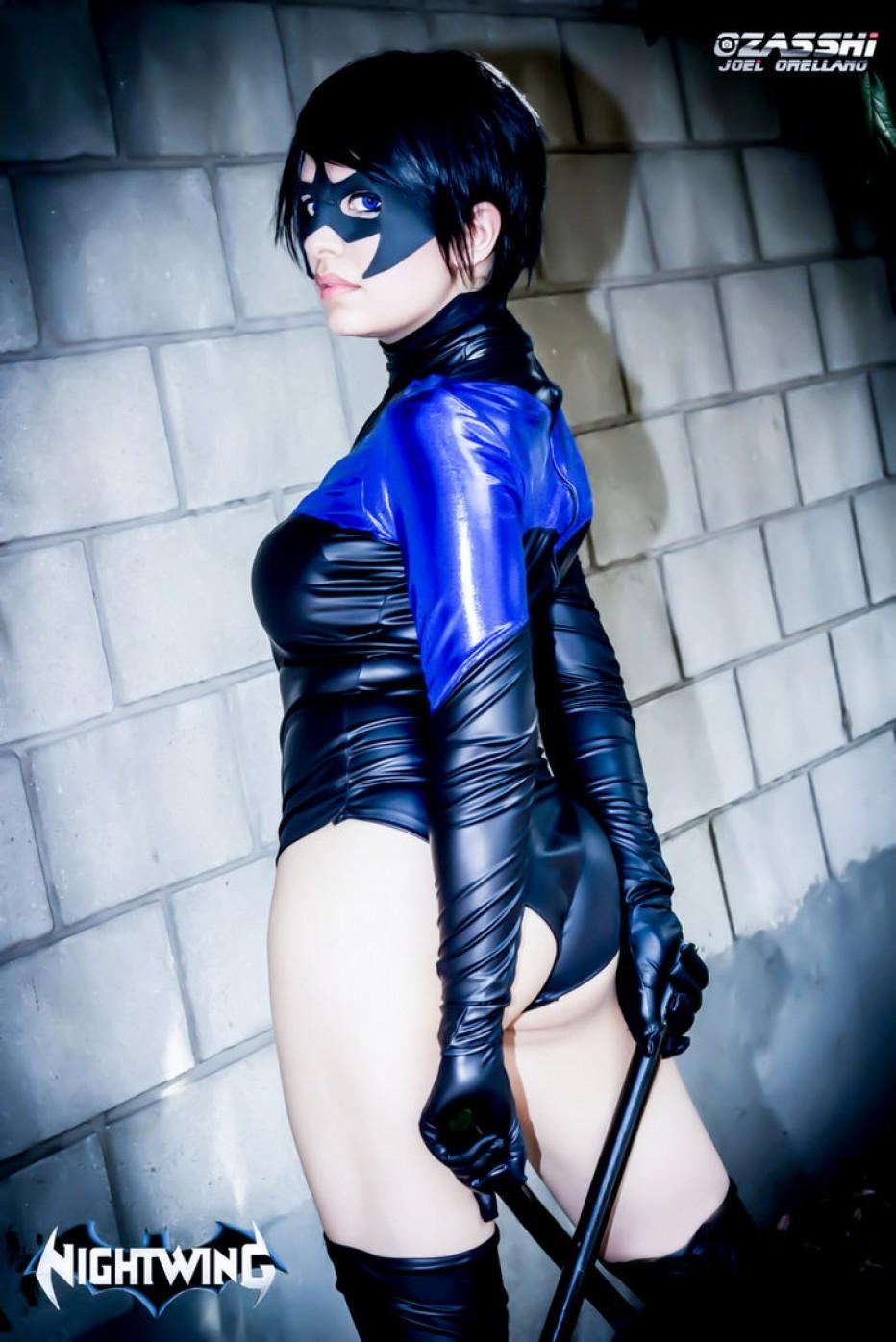 Nightwing-Cosplay-Gamers-Heroes-3.jpg