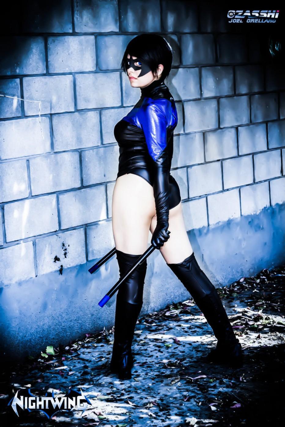 Nightwing-Cosplay-Gamers-Heroes-5.jpg