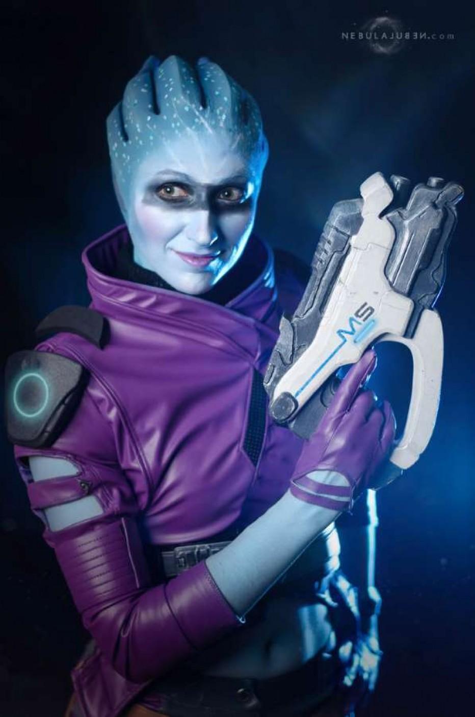 Mass-Effect-Andromeda-Peebee-Cosplay-Gamers-Heroes-2.jpg