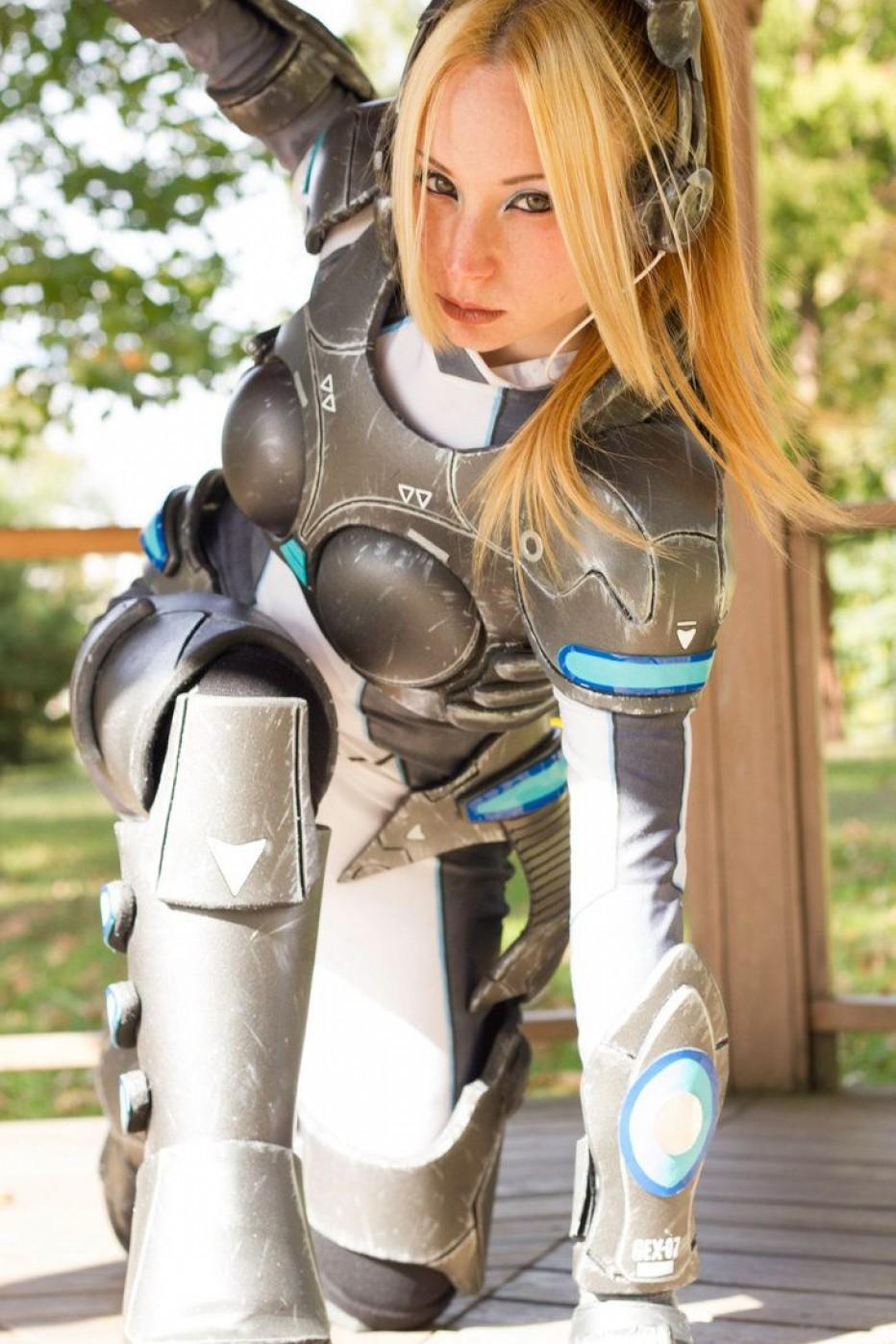 StarCraft-Nova-Terra-Cosplay-Gamers-Heroes-1.jpg