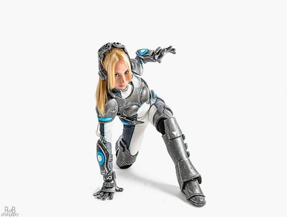 StarCraft-Nova-Terra-Cosplay-Gamers-Heroes-7.jpg