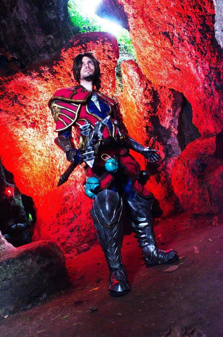 Castlevania-Gabriel-Belmont-Cosplay-Gamers-Heroes-5.jpg