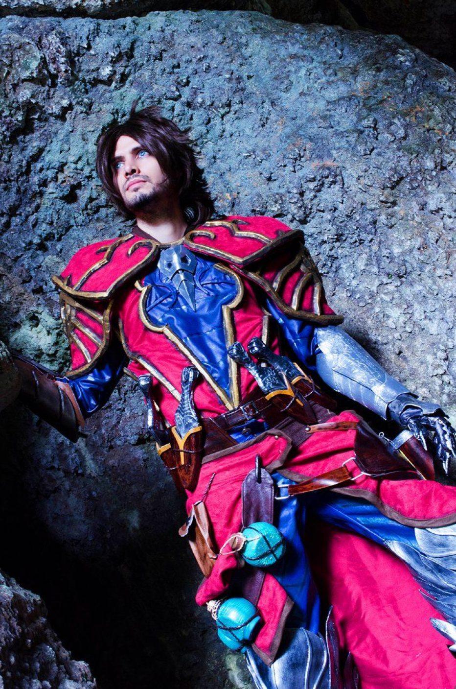Castlevania-Gabriel-Belmont-Cosplay-Gamers-Heroes-8.jpg