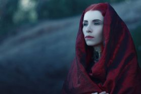Cosplay Wednesday – Game of Thrones' Melisandre